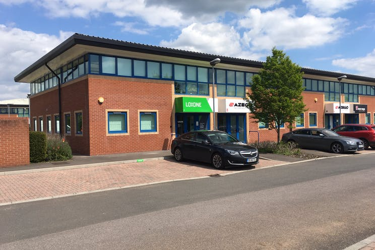 Units 7, 8 & 9, Theale Lakes Business Park, Reading, Office To Let / For Sale - IMG_2047.JPG