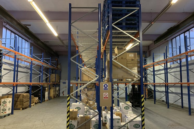 Unit 16, 1-11 Willow Lane, Mitcham, Warehouse & Industrial To Let / For Sale - IMG_0550.jpg