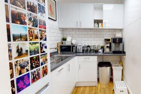 11-12 Charlotte Mews, London, Office To Let - Kitchen.PNG