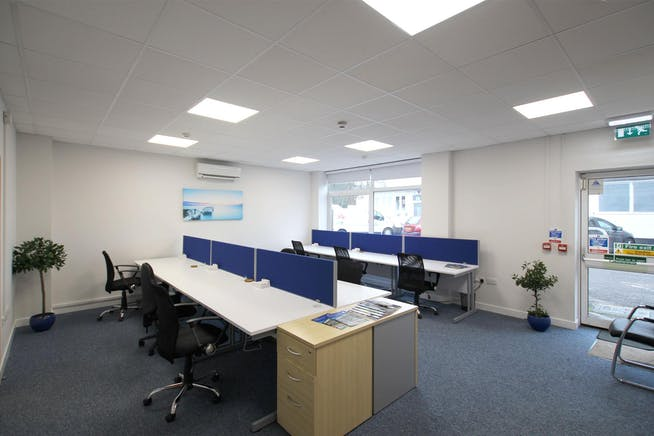 Lansbury Business Estate, 102 Lower Guildford Road, Knaphill, Woking, Office To Let - LBE-desk-rental_6991-1920.jpg