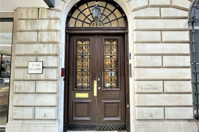 47-48 Piccadilly, London, Offices To Let - Building Entrance
