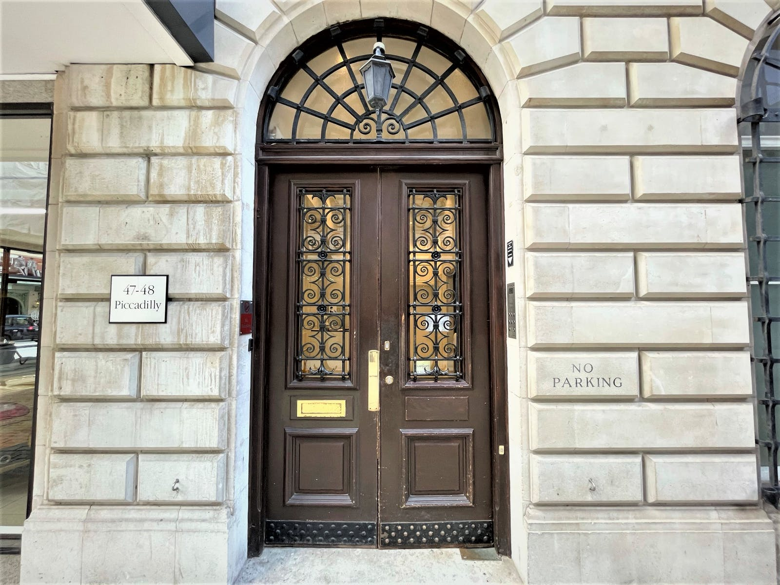 47-48 Piccadilly, London, Office To Let - Building Entrance