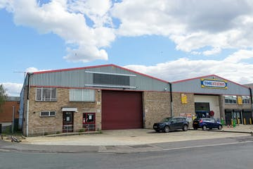 12 Nelson Way, Tuscam Trade Park, Camberley, Warehouse & Industrial To Let - IMG_20200728_161321.jpg