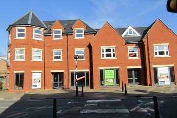 2 High Street, Crowthorne, Retail To Let / For Sale - IMG_1611.JPG