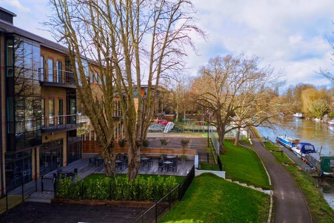 Waterfront, Waterside Park, Staines-Upon-Thames, Office To Let - Staines Waterfront.jpg