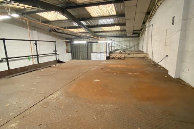7 Greenshield Industrial Estate, London, Industrial To Let - IMG9822.jpg