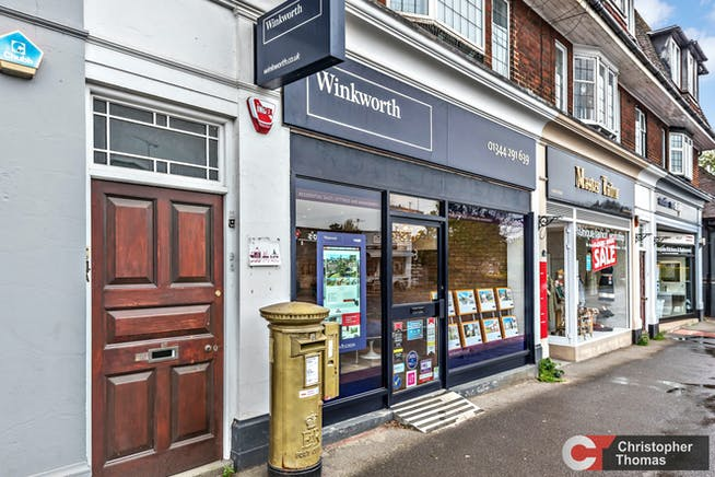 3 Broomhall Buildings, London Road, Sunningdale, Investment / Retail For Sale - 7bd083146f874c1db9313c6094200a25.jpg