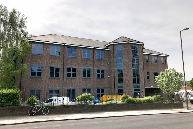 459 London Road, Camberley, Offices To Let - Front Elevation 2.jpg