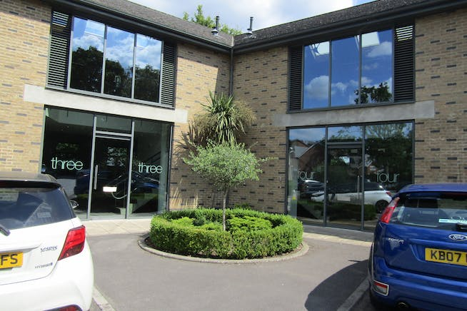 Units 3 & 4, The Courtyard, Bracknell, Offices To Let - IMG_0976.JPG