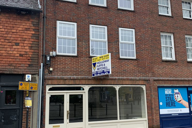 7A The Square, Petersfield, Retail / Restaurant / Takeaway / Restaurant / Takeaway To Let - Photo 18062021 12 27 38.jpg