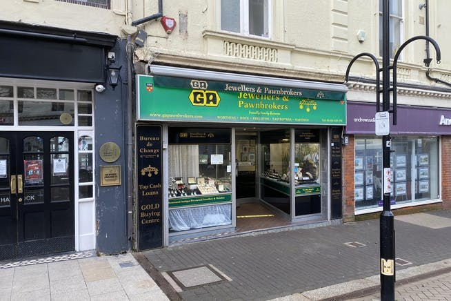 59 Robertson Street, Hastings, Retail To Let - IMG_4039.jpg