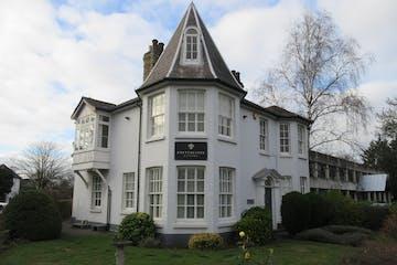 Salisbury House, 20 Queens Road, Weybridge, Offices To Let - IMG_0930.JPG