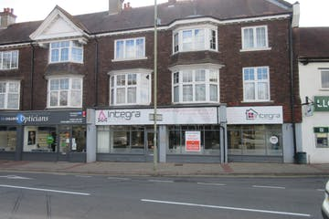 17-19 Old Woking Road, West Byfleet, Retail To Let / For Sale - IMG_9189.JPG