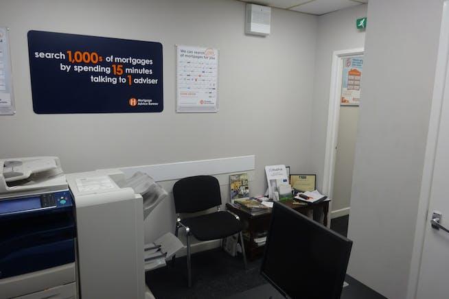34-36 Burlington Street, Chesterfield, Offices / Retail To Let - DSC03022.JPG