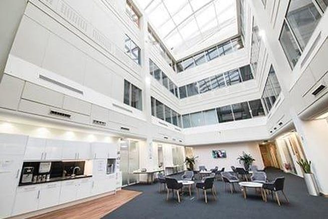 Venture, Arlington Square, Bracknell, Serviced Office To Let - Venture House Bracknell atrium.jpg