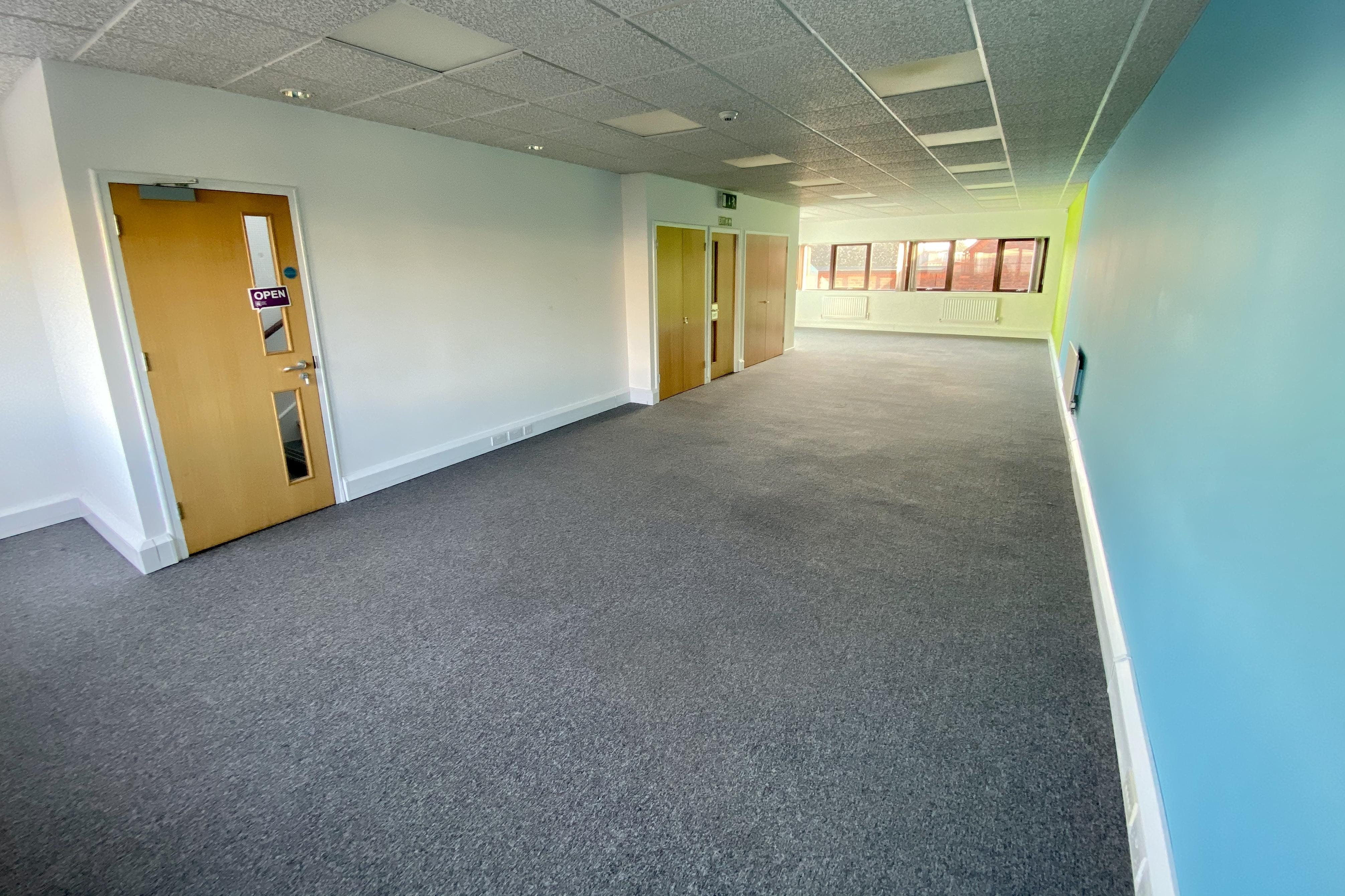3 St. Andrews Court, Thame, Office To Let - IMG_4202.jpg
