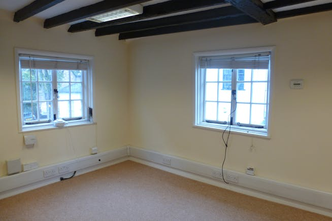 76A High Street, Slough, Offices To Let - P1080377.JPG