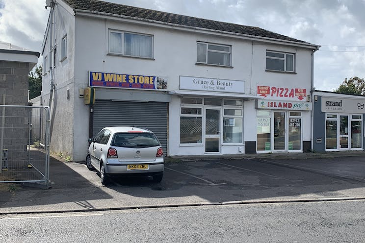 3 Station Road, Hayling Island, Retail To Let - Photo 23-09-2019, 12 19 53.jpg