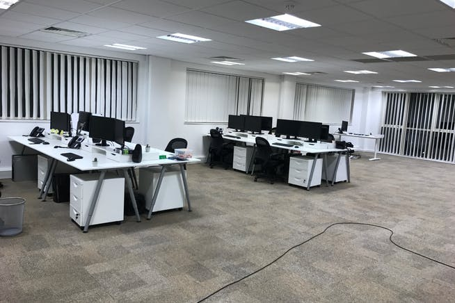First Floor, 31 Wellington Business Park, Crowthorne, Offices To Let - 5321402c017c8a98884214f494da7d2fb18ce744.jpg