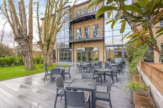 Waterfront, Waterside Park, Staines-Upon-Thames, Office To Let - 5e1db24860c2c-l-569062 (9) .jpg