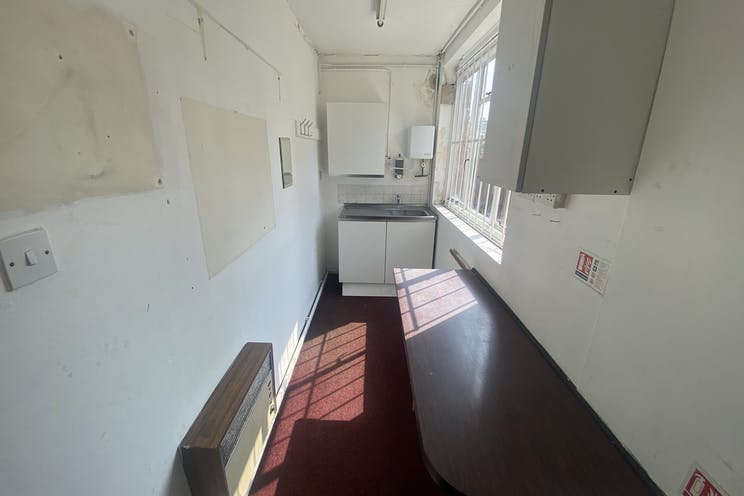 88 Clarendon Road, Southsea, Office / Retail / Restaurant / Takeaway To Let - image00001.jpeg
