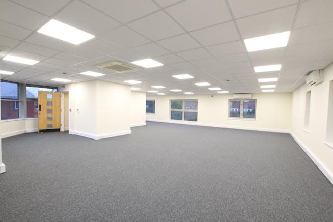Unit 3 Bridge Court, Wrecclesham, Farnham, Offices / Warehouse & Industrial To Let - IMG_9060.JPG