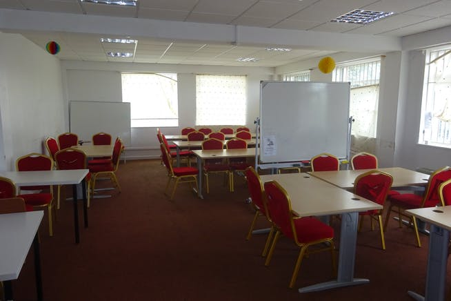 Ground Floor, Rima House, Ripple Road, Barking, Offices / Suis Generis (other) To Let - DSC02395.JPG