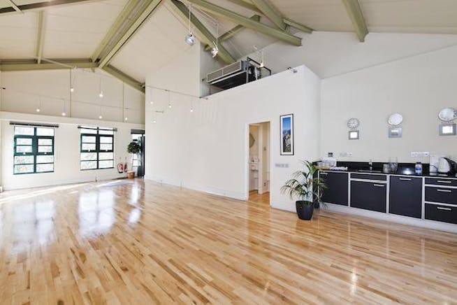 Unit 315, The Plaza, Chelsea, Sw10, Office To Let - 315 the plaza-recep[9].jpg
