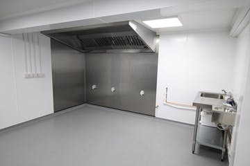 80 Shelley Road East, Bournemouth, Industrial & Trade To Let - IMG_5204.JPG