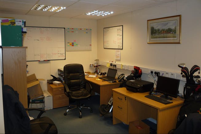 Unit 9 Finns Business Park, Crondall, Farnham, Office / Workshops / Industrial To Let - P1020957.JPG