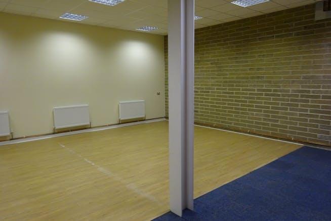 Unit 2 West Point, 11 Durham Road, Basildon, Warehouse & Industrial / Offices To Let - DSC02445.JPG