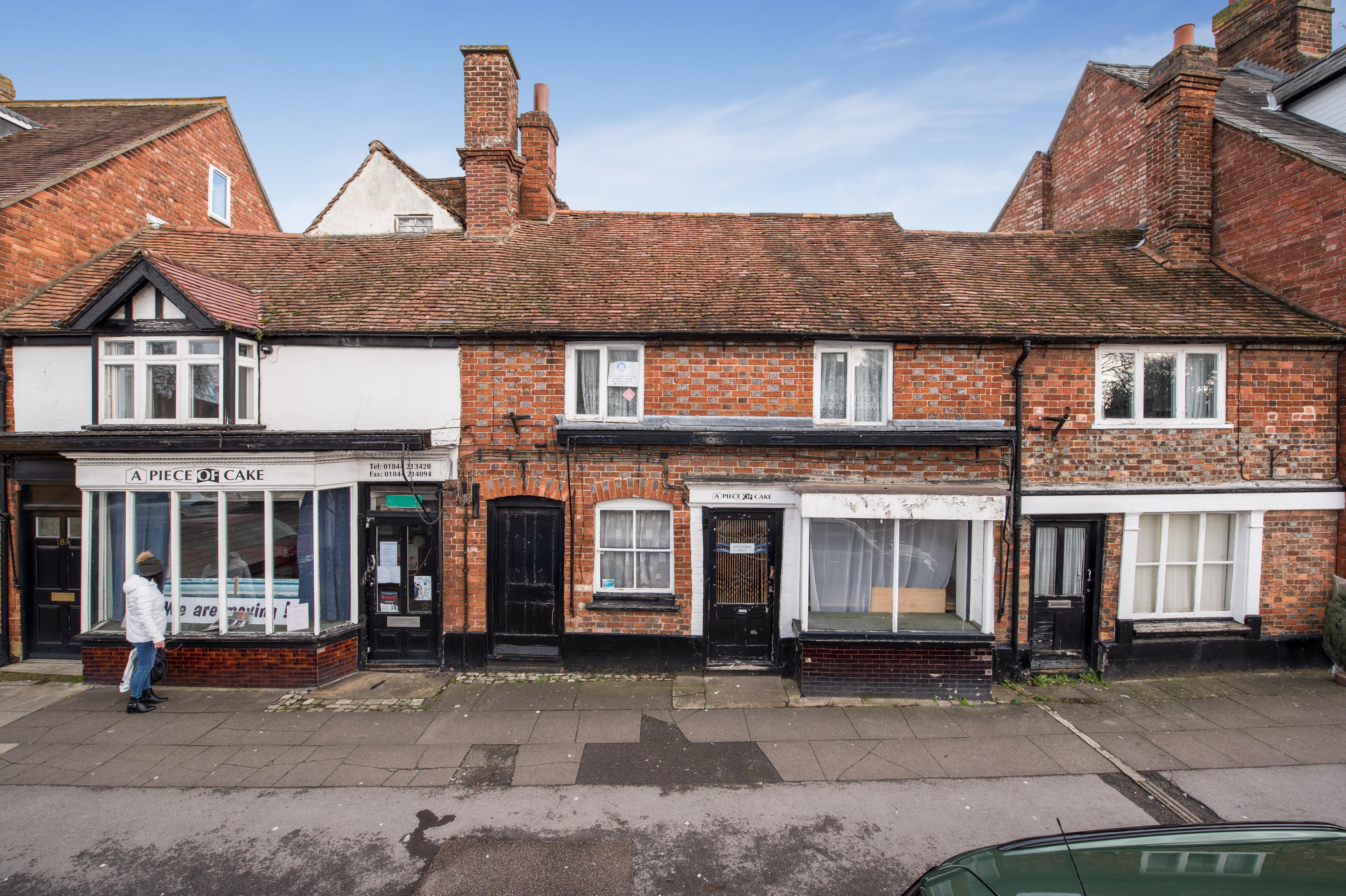 18-20 Upper High Street, Thame, Retail / Residential / Investment For Sale - Fields30.jpg