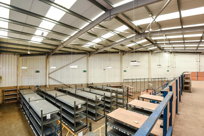 231 London Road, Staines Upon Thames, Industrial To Let - 248489 (4).JPG