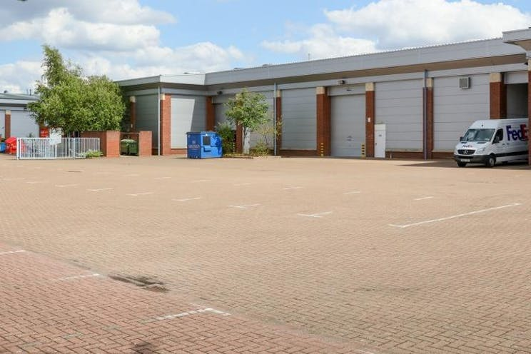Unit B2 Kingswey Business Park, Forsyth Road, Woking, Warehouse & Industrial To Let - Unit B2 rear.jpg