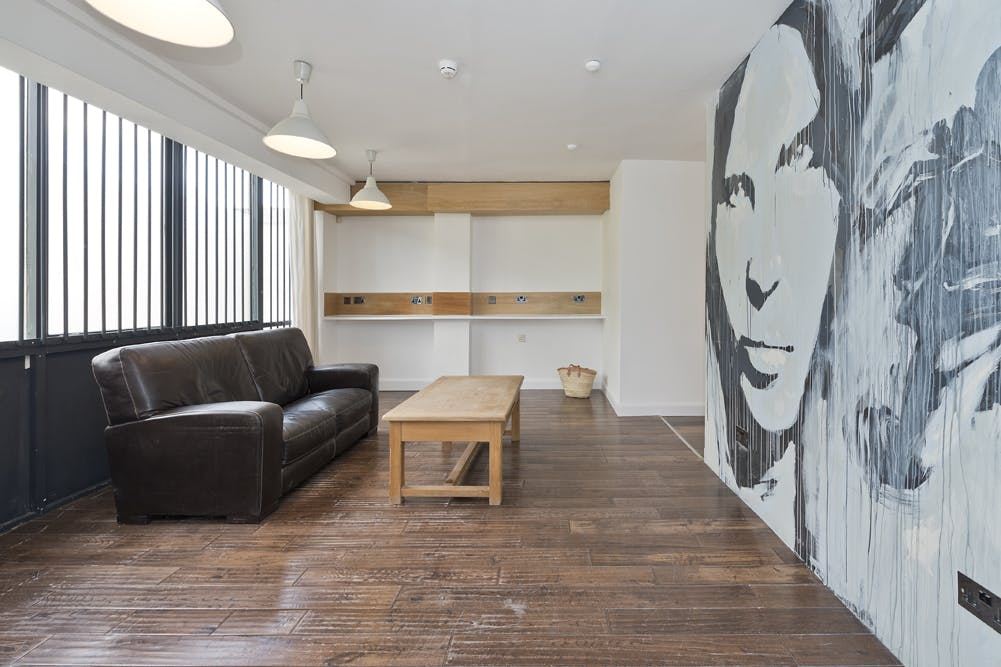 Unit 14, London, Residential To Let - unit 14 the talina centre7714 low.jpg