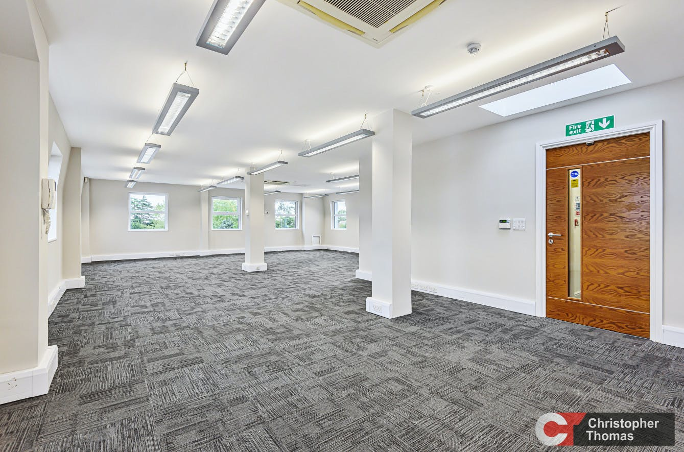Europa House, Gerrards Cross, Office To Let - 6c78f34c510e477dbd8dfe74adfd6274.jpg