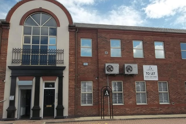 Taylors Court, Rotherham, Office To Let - 100_4331.JPG
