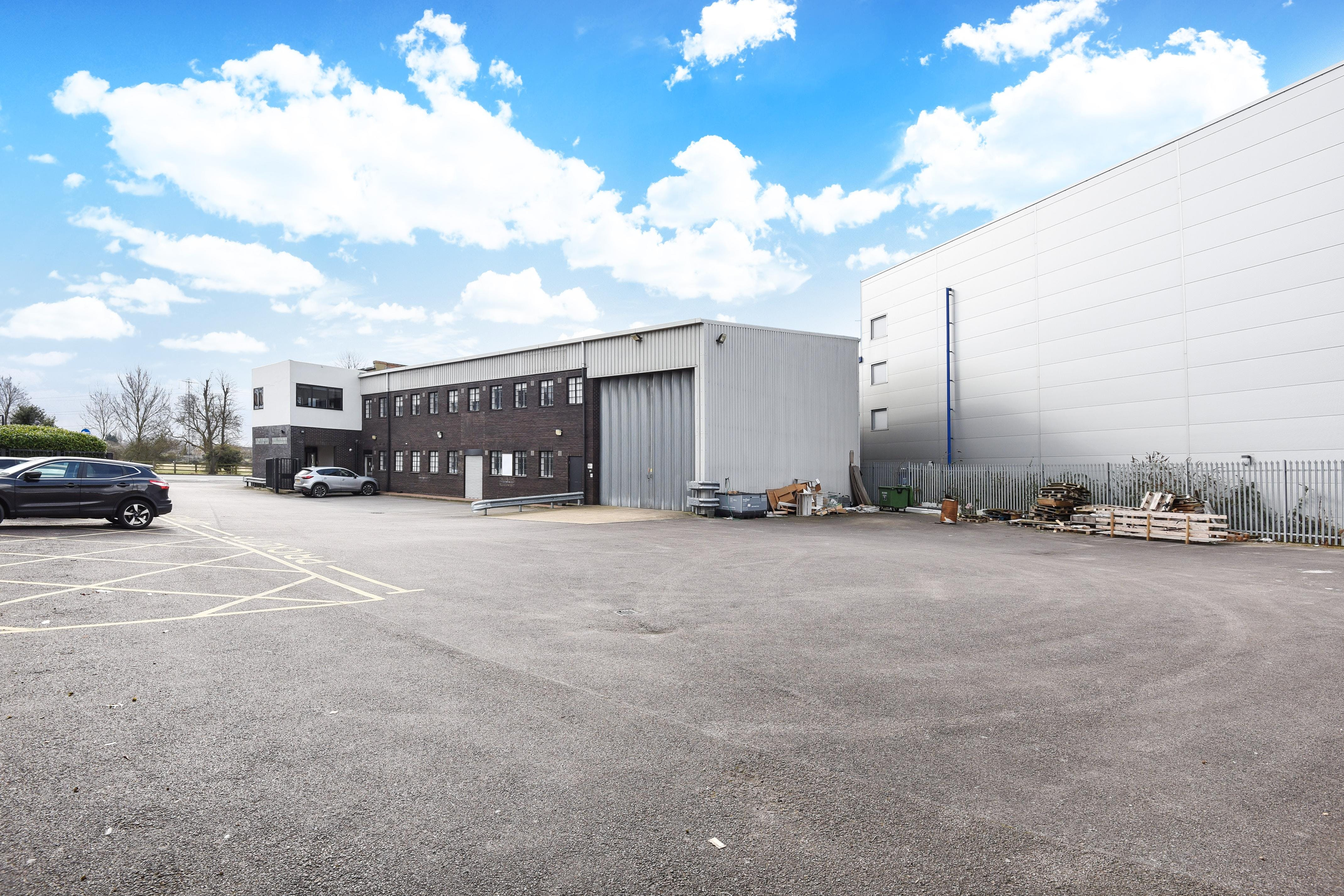 231 London Road, Staines Upon Thames, Industrial To Let - 248489 (8).JPG