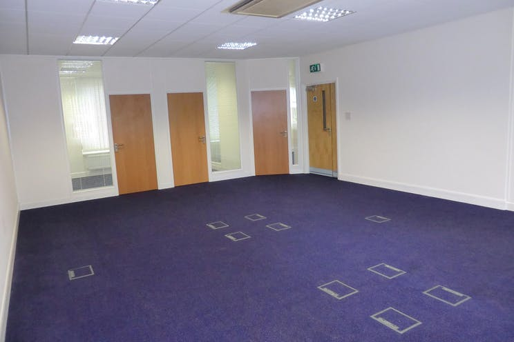 32 Anyards Road, Cobham, Offices To Let - CIMG0475.JPG
