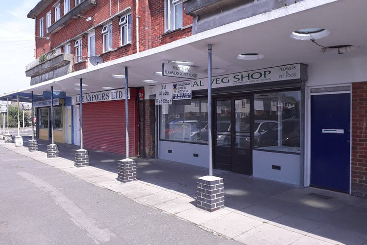 190 Nobes Avenue, Gosport, Retail To Let - Main pic.jpg