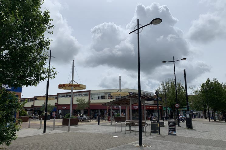 2 Queens Parade, Waterlooville, Retail To Let - 20210705 131812.jpg