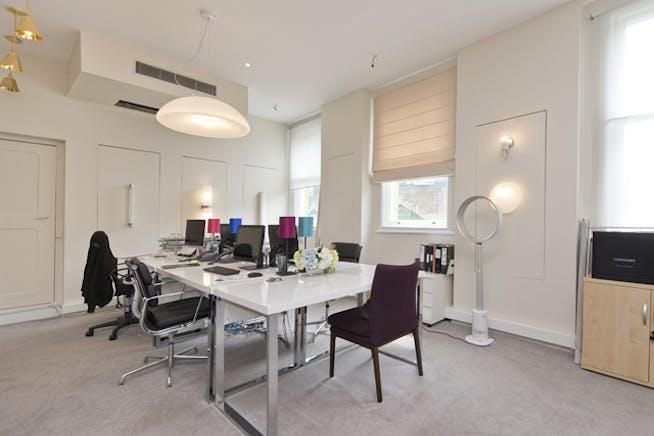 533 Kings Road, Chelsea,  Sw10, Office To Let - bella figura@533 kings rd-4 low.jpg