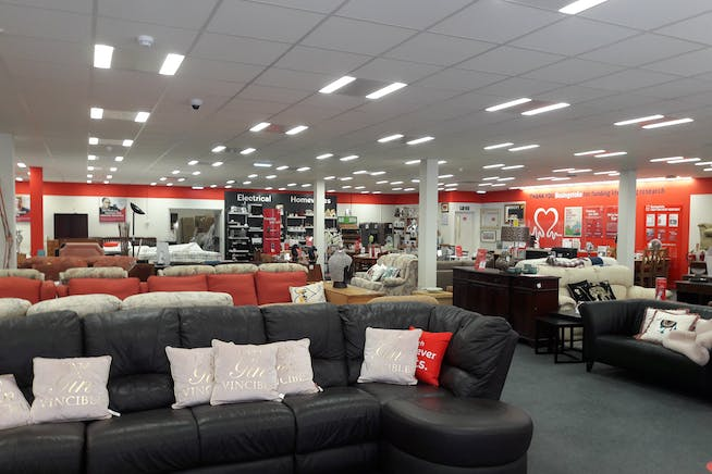 20 Winchester Street, Basingstoke, Retail To Let - Image 2