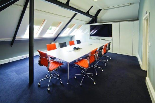 The Bullpens, Manor Court, Basingstoke, Office To Let - Bullpens_boardroom.jpg