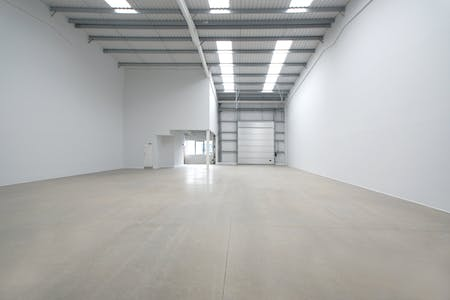 Trade City Reading, Sentinal End, Reading, Industrial To Let - Unit 11b.JPG