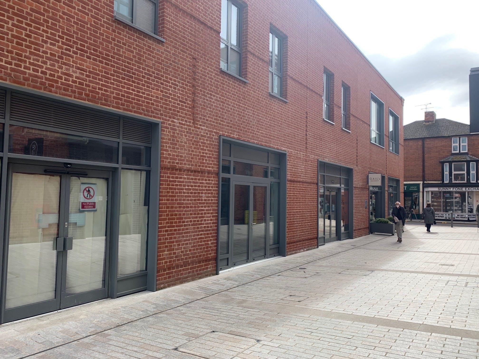 6c Peach Place, Wokingham, Retail To Let - 6c Peach Place 2.jpg