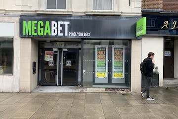 98 West Street, Fareham, Fareham, Retail To Let - Shop front 3.jpg