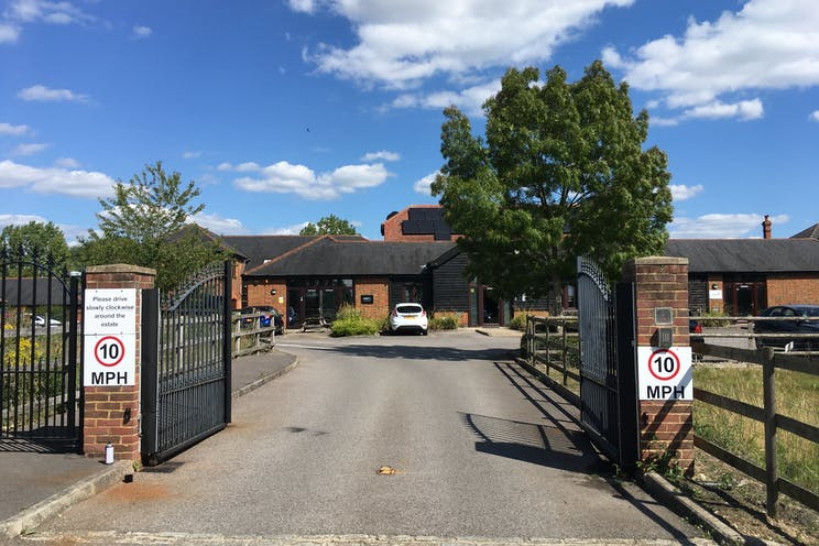 Unit 10 Diddenham Court, Reading, Office To Let - Secure gated entrance
