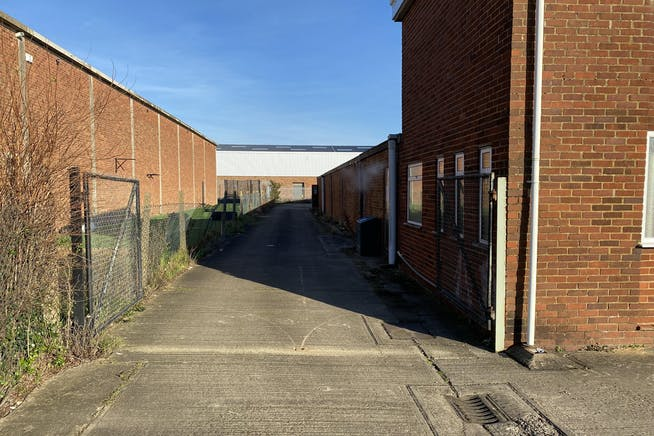 3A Wenman Road, Thame, Industrial To Let / For Sale - IMG_5490.JPG