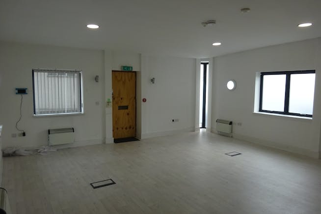 155 Abbs Cross Gardens, Hornchurch, Offices / Retail / Suis Generis (other) To Let - DSC01602.JPG